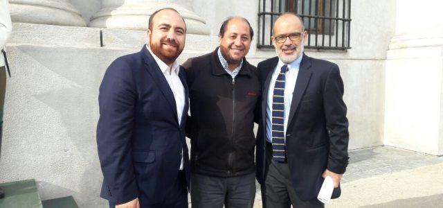 En su reciente visita a la ciudad de Santiago, El alcalde Marcos Hernández se reúne con diversas autoridades del gobierno central, acompañado del diputado Fuad Chahin yMarioVenegas. Dentro de las […]