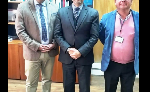El día de hoy nuestro Alcalde Marcos Hernández Rojas junto al Concejal Pablo Huenulao se reunieron con el Director Nacional de Registro Civil don Jorge […]